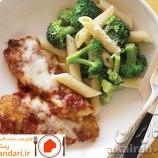 مرغ پارمزانی با پنه بروکلی